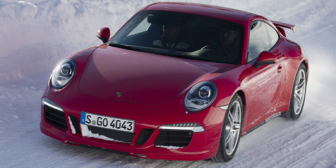 Porsche 911 Finds Fun over Fear in Winter Driving