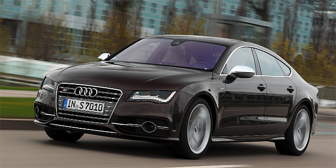 "Audi S7 wins ""Connected Car of the Year"" Award 2013"