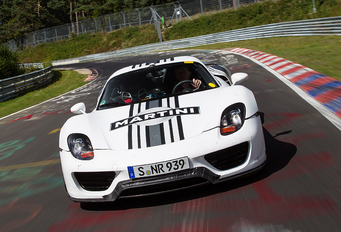 Spyder based on the Porsche 918 Coupe Hybrid