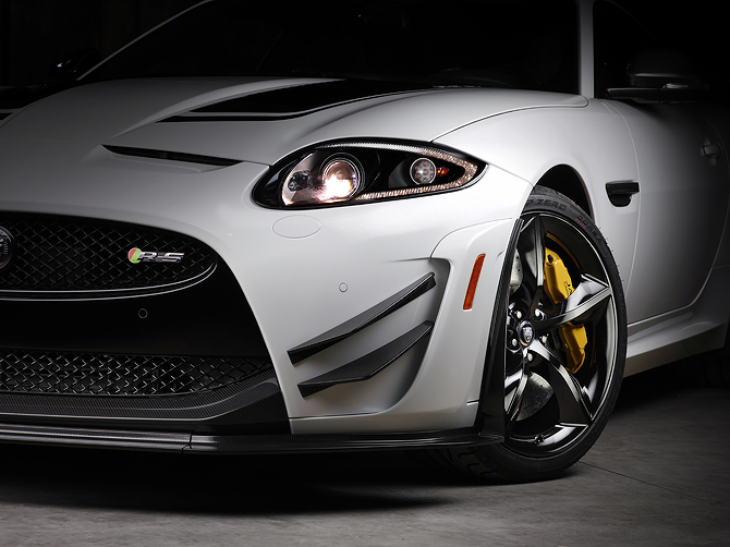 Jaguar XKR-S GT Carbin Fiber