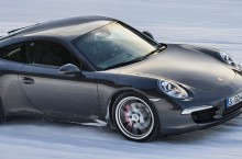 Porsche 911 Preserves Fun over Fear of Winter Driving
