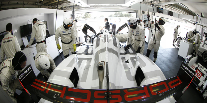 Porsche 919 Hybrid at the Prologue with Le Mans Prototype
